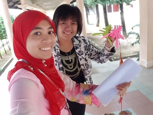 感情深厚的艾伊娜和吕采娟(马来西亚《星洲日报》)