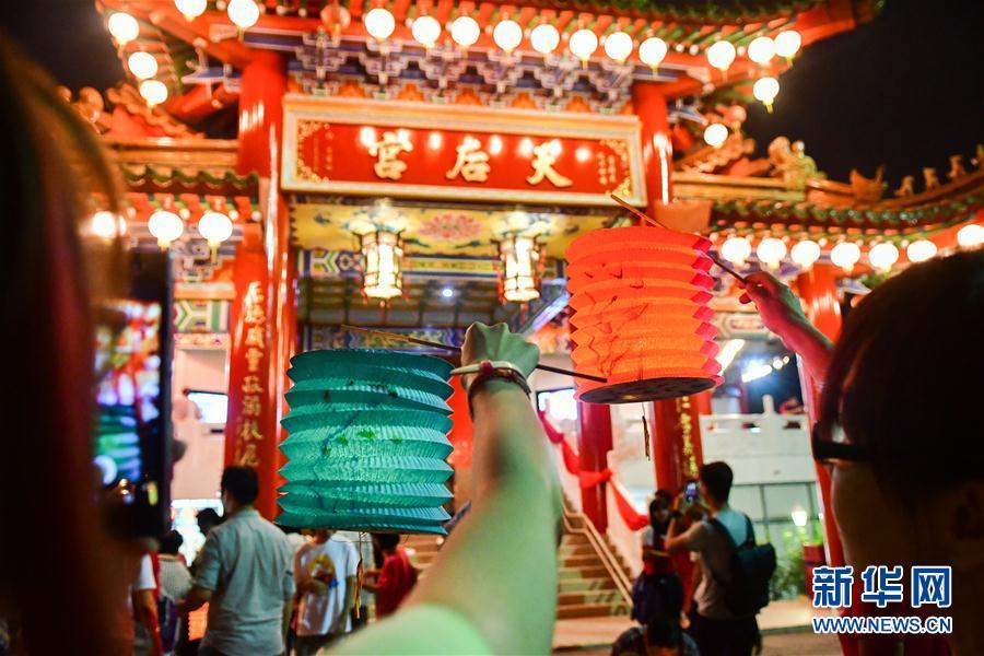 (国际)(3)马来西亚华人欢度中秋节