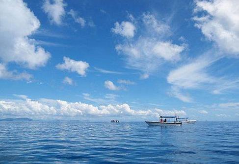 夏日潜游马来西亚诗巴丹 深入梦幻蓝色海底