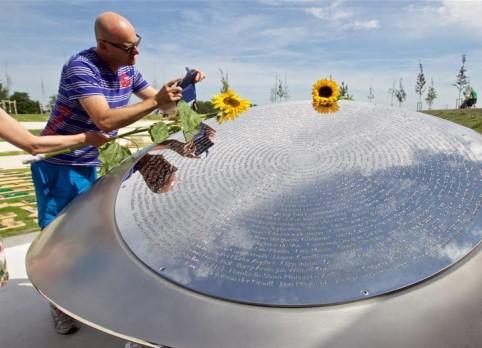 馬航MH17空難紀念碑在荷蘭揭幕