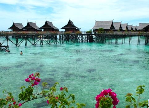 看全球最清澈水域 感受纯洁自然的美好